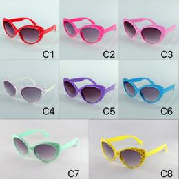 Vasos de plástico para niños online-¡Nuevos colores esperando! Gafas de sol para niños Nuevo diseño de moda Cool Gafas de sol Cat Eye Eyewear Eyewear Plastic Bisagra Mix 8 colores