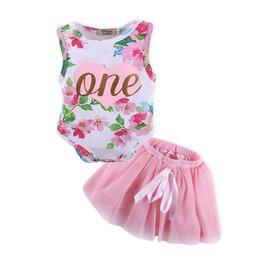 Mamadeira floral de uma peça on-line-0-18 M Meninas Do Bebê RomperSkirt um Coração Impressão Conjuntos de Roupas de duas peças Macacão Floral Arco TUTU Saia Outfits