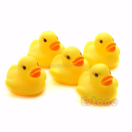 Wholesale bath drops - Lot 20pcs Yellow Baby Kids Children Bath Toy Cute Rubber Race Squeaky Duck Ducky Wholesale #HC6U# Drop shipping
