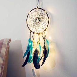 ghirlande di perle di vetro Sconti Fatto a mano LED Light Dream Catcher Feathers Car Home Wall Hanging Decoration Ornament Gift Dreamcatcher Wind Chime