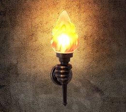 Canada American Creative Torch Applique Courtyard Garden Lampe à Flamme Rétro Intérieur Allée Industrial Personality Lampes Murales Décoratives supplier indoor torch Offre