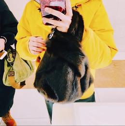 2019 grand sac européen tailles Style européen et américain hiver sacs de messager de luxe sacs de mode en fausse fourrure pour dames femmes sac grande taille sac fourre-tout grand sac européen tailles pas cher