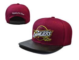 Barato Venta al por mayor caliente 2018 más nuevo estilo de fútbol americano Cleveland snapback sombrero para hombres mujeres hiphop Cavaliers gorras ajustables hueso gorra desde fabricantes