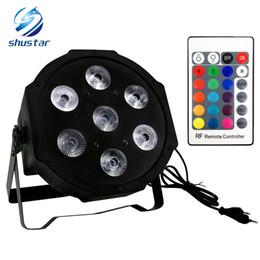 2019 mini led par puede Control remoto inalámbrico LED Mini PAR luz 7X12W DMX rgbw 4in1 quad led plano par puede etapa iluminación mini led par puede baratos