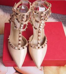 2019 chaussures sur mesure taille 14 femmes talons hauts chaussures habillées mode rivets filles sexy bout pointu chaussures boucle plate-forme pompes chaussures de mariage noir blanc rose couleur