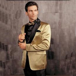 Pantaloni in raso d'oro online-Nuovo stile Gold Groom Smoking uomini tuta slim Notch Satin Risvolto Groomsmen Best Mens Wedding Work Abiti ufficio giacca + pantalone