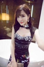 vestido chinês sem costas Desconto 2018 verão das mulheres chinesas de cetim qipao longo cheong sam backless traje vestido