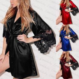 2019 merletto kimono abito 2018 Nuove donne Pizzo Floreale Kimono Veste lunga Camicie da notte in raso di seta Tinta unita Camicie da notte Vesti merletto kimono abito economici