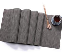 Manteles individuales online-PVC Bamboo Table Runner Imitación de bambú Grano de punto Cubierta de tabla Decoración Estera del lugar PVC Decorativo Lavable Placemats para bodas Comedor