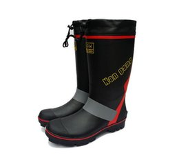 Wholesale Nailed Shoes Men - Free Ship Men Steel Nails Bottom Rainboots Rainshoes Wellies Waterproof Skidproof Fishing Wader Rain Boots Warm Snowboot Shoes Galoshes Man