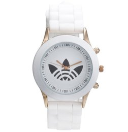Wholesale ad pin - AD Clover 3 Leaf Grass Ladies Dress Quartz Watch Unisex Sports Casual Wristwatch silicone Brand Watches pointer noctilucence 13color mixs