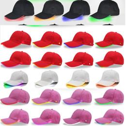 ha condotto il cappello del cappello del cappello Sconti Cappello da baseball a LED Cappello a sfera regolabile LED Light Night Snapbacks luminosi Cambiare la modalità Flash Colori Peak Cap Sport Cappelli da pesca per le donne
