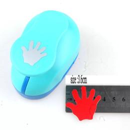 2019 инструменты для тиснения бумаги 1.5cm-3.6cm ладонь Handmade ремесла Скрапбукинг Инструмент Бумага Punch для фотогалереи DIY Подарочные карты Удары Вышивальные устройства Штамповка скидка инструменты для тиснения бумаги