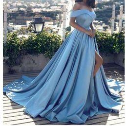 2019 arabo moderno di luce blu dei vestiti da sera sexy fuori dalla spalla anteriore Split promenade raso A linea elegante del partito lungo di promenade da