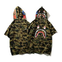 Japonês bonito camiseta on-line-Camuflagem Tubarão Japonês Imprimir Camiseta Homens e Mulheres Casal Hoody Top Carta de Estilo de Rua Bonito Animal Moda Tee