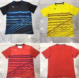 61096b29da88a Nueva Lin Dan bádminton desgaste camiseta hombres y mujeres deportes de secado  rápido transpirable camiseta de tenis chaqueta de manga corta de tenis de  ...