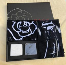 C полотенца онлайн-Роскошный подарочный набор бренд дизайнер полотенца и мыло Камелия шаблон для ванной комнаты или путешествия счетчик подарок для C наркоманов рождественский подарок