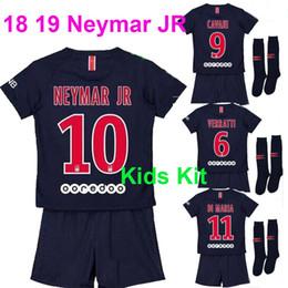 Kit para niños   10 Neymar jr 2017 2018 Jersey de fútbol para niños +  Calcetines 17 18 Niños maillots Di Maria PASTORE VERRATTI Camiseta de fútbol  con ... 3285fb20e3a5a
