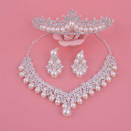 diseños de oro rubí Rebajas Conjuntos de joyería de boda, Auniquestyle Nuevo Diseño Flor de Plata Perla de Cristal Conjunto de Novia Pendientes Collar Tiara Coronas Accesorios Nupciales