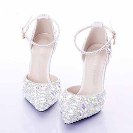 Scarpe da sposa con tacco medio argento strass Sapatos Femininos Scarpe da ballo per donna. Scarpe da sposa di cristallo. Scarpe da damigella d'onore da tacchi colorati fornitori