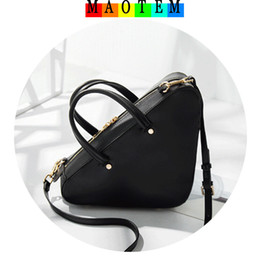 Wholesale Famous Triangles - MAOTEM Factory Price!New Triangle Duffle Bag for Women 2017,High Quality Crossbody Bags for Women,Famous Design IT Messenger Bag