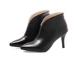 Canada Vente chaude bout pointu talon haut femmes bottes mode pas cher bottines femmes chaussures talon mince bottes en peluche courtes chaussures femme, plus la taille 34-43 Offre