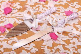Forniture di coltelli online-Wedding Cake Knife Shovel Suit Gift Box tela tela di lino colore bianco pizzo fiore forniture per feste amore attrezzo da cucina GGA896