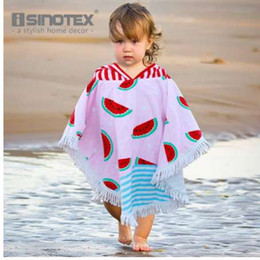 Cotone modello mantello online-Asciugamani con cappuccio 90x120cm Felpa con cappuccio 100% cotone modello anguria per bambini Bath Beach Towel Cloak per bambini toalha de banho