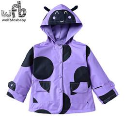 Perakende 2-6 yıl ceket tam kollu karikatür Beetle Windproof yağmur geçirmez yağmurluk çocuk çocuk bahar sonbahar güz nereden