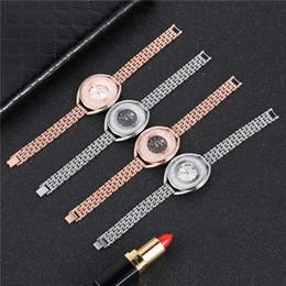 3ddbd4dac04 Novo SW Relógio De Pulso De Cristal De Diamante Pulseira Rolando Relógios  de Marca das Mulheres de Luxo Senhoras Da Moda de Quartzo-relógio Senhoras  relógio ...