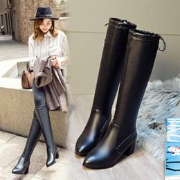 2019 зимние ботинки для котят Роскошные дизайнерские зимние сапоги в наличии черный белый длина до колен котенок пятки кожа теплая обувь с высоким качеством женщины длинные сапоги дешевые