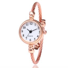 Kleine uhren für frauen online-Mode einfache seil frauen damen roma zahlen kleine zifferblatt armbanduhren großhandel dame weibliche kleid quarz-armbanduhren
