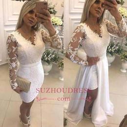 Vestido de fenda de contas brancas on-line-Branco V Neck Overskirts Prom Vestidos Mangas Compridas Pérola Frisado Evening Party Dress Lace Appliqued Fenda Ocasional Formal Desgaste BC0246