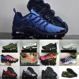 Wholesale hard soled shoes - Vapormax TN Plus VM Air Sole Men Women Designer Running Shoes In Metallic Newest Athletic Sport Sneakers Fashion Gradient Outdoor Cheap TN
