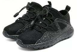 Новые Hot Fly line Boost Детские кроссовки R1 Runner Вязание Mesh Boost Тренеры Детские кроссовки Повседневная обувь. Бесплатная доставка от Поставщики подкладка для обуви