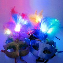 Wholesale led feather masks - 2018 Women Lady LED Flashing Feather Mask Venetian Ball Half Princess Masks Party Dress Decoration Christmas Navidad New Year