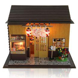 Sushi Bar fai da te in legno casa delle bambole giocattoli bambola in miniatura con copertura per mobili a LED in stile giapponese decorazione della casa regalo per bambini da