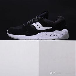 2017 Nuovo arrivo Saucony Grid 9000 Sneakers da uomo per uomo S70077-49  Nero Bianco Sport Running Scarpe da jogging Taglia 36-44 15beb45a7e4