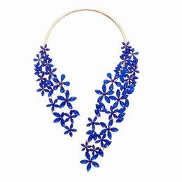 Collar grande de lujo para la joyería de la novedad de la manera de las mujeres con cristal de la flor y gema Gargantilla máxima de la declaración 1 PC Gargantilla del collar de la puño desde fabricantes