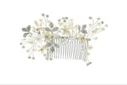 Coiffure de mariée, perceuse à eau perlée, coiffure et décoration d'ornements de mariée ? partir de fabricateur