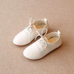 Wholesale Little Girls Red Shoes - NEW HOT 2017 little girls, leather shoes, white flowers, baby toddlers, children's apartments, pink spring retail sandq baby.