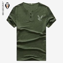 Hombres camiseta de manga corta con cuello en v moda de verano águila imprimir diseño de bambú Slim Fit marca negocios camisetas trabajo de color sólido desde fabricantes