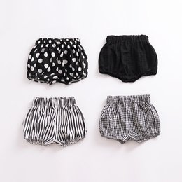 Wholesale Hot Mini Shorts - INS NEW arrival baby short Hot selling summer Girls candy color all-match stripped polka dots 100%cotton shorts 8 colors free shipping