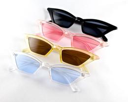 2019 gafas de sol de ojo de gato pequeño DHL Free Ship 2019 Venta Caliente Pequeñas Gafas de Sol de Moda Ojo de Gato Mujer Gafas de Sol Marco de Ángulo Agudo Lentes Coloridas Bisagra de Metal Buena Calidad gafas de sol de ojo de gato pequeño baratos