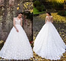 belles mains fleurs Promotion Belles papillons blancs faits à la main fleurs évasées robes de mariée mariée New Sheer manches courtes col appliques longues robes de mariée