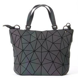 2018 venta caliente de la PU famosa marca bolsos de diseño de lujo bolsos de moda de alta calidad paquete láser geométrica Lingge bolsa desde fabricantes
