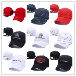 Alta calidad 20 colores al por mayor VENTAJAS gorras LA carta bordado gorra  de béisbol sombrero de ala plana gorras de béisbol del tamaño del equipo  del ... c1dd8997ee1