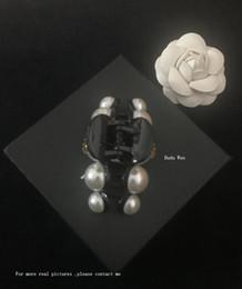 2018 NUEVA moda garra de pelo de perlas C para la colección de Ladys Artículo Accesorios de moda para el cabello bastante para estilo de fiesta regalo para recuerdos desde fabricantes