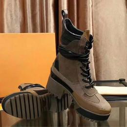 tubo del cordón de los hombres Rebajas Las últimas botas de cuero, estilo tobillo de invierno, cuero, botas de cuero, botas, zapatos de mujer, doctora, botas impermeables de diseño.