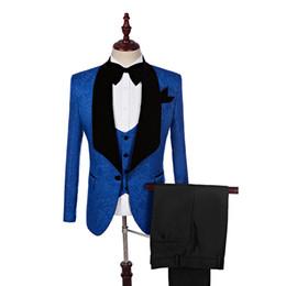 2017 Negro Shawl Lapel Slim Fit Novio Tuxedos Royal Blue Men Trajes Últimos Abrigo Pantalón Diseños Hombres Traje de Boda (Chaqueta + Pantalones + Chaleco) desde fabricantes